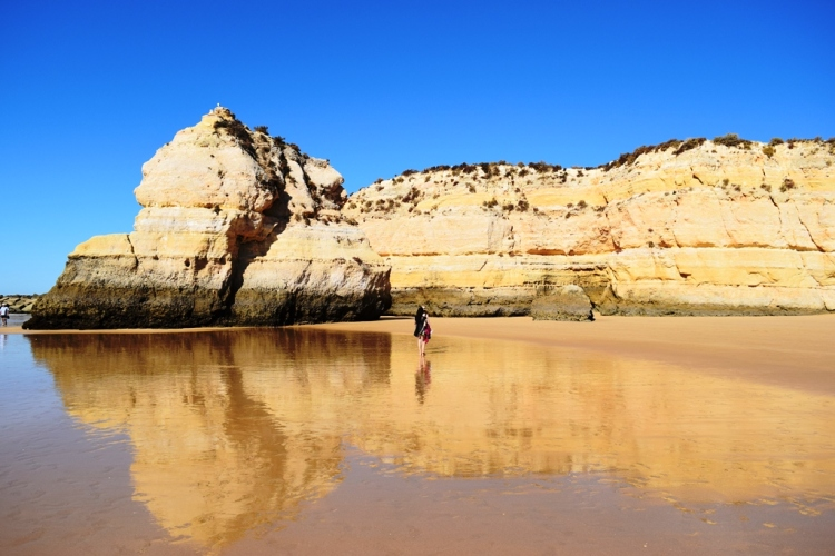 algarve_beaches_portimao_portugal