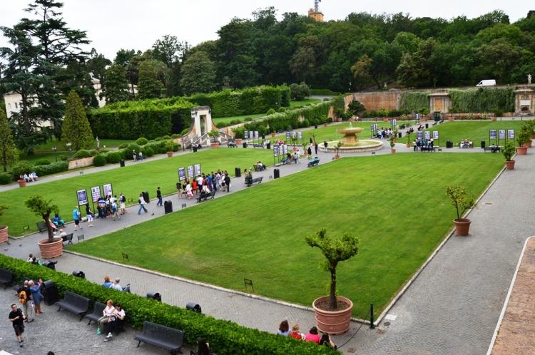 vatican-garden-rome