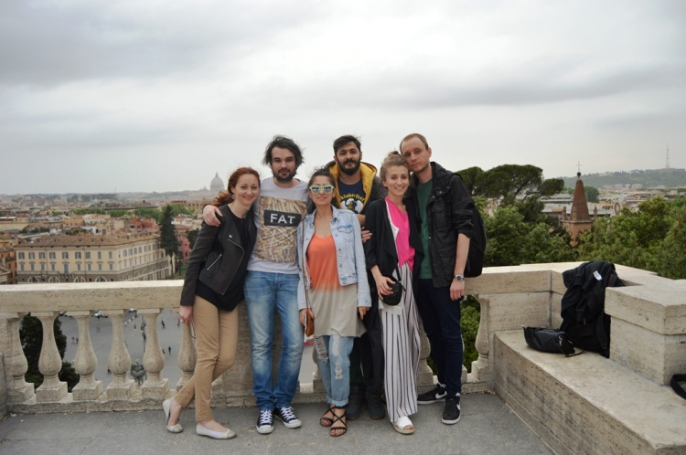 visiting-rome-with-friends