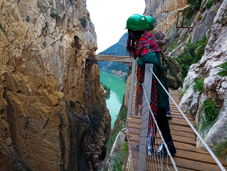 caminito del rey view canyon